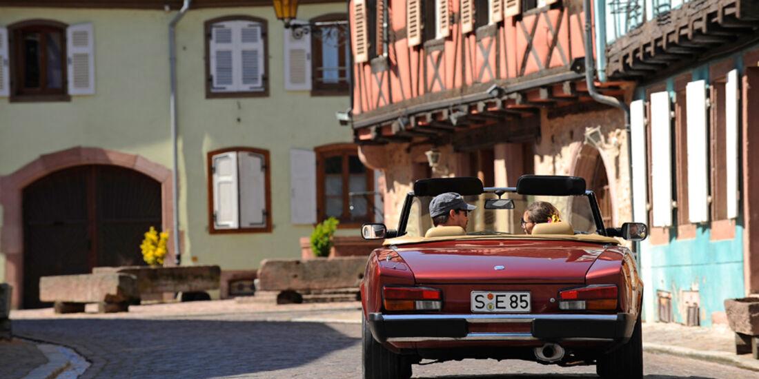 Fiat 124 Spider, Vogesen, Dorf