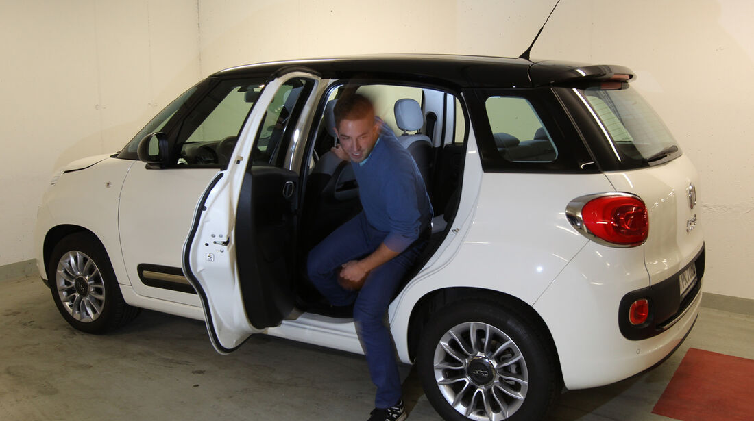 Fiat 500L 1.4 16V Pop Star, Rücksitz, Aussteigen