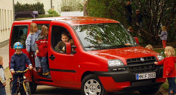 Drei Jahre Alter Fiat Dobl U00d2 1 3 Multijet  Dobl U00f2 1 3 Multijet 50 000 Km  7900 Euro  Seite 3