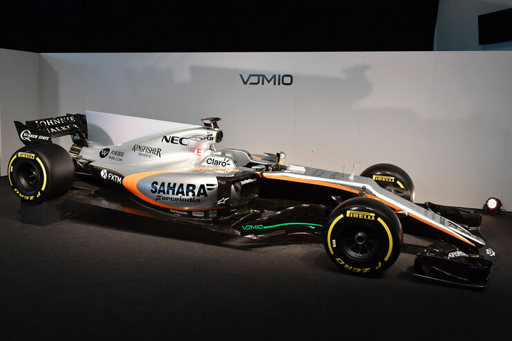 Force India presentó en Silverstone su VJM10