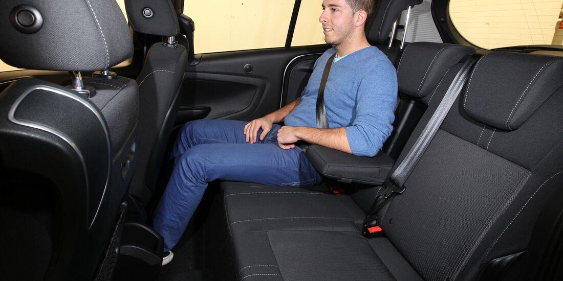 Ford B-Max 1.0 Ecoboost Titanium, Rücksitz, Armlehne