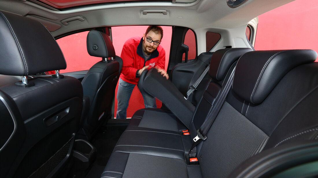 Ford B-Max 1.6 TDCi, Rücksitz, Umklappen