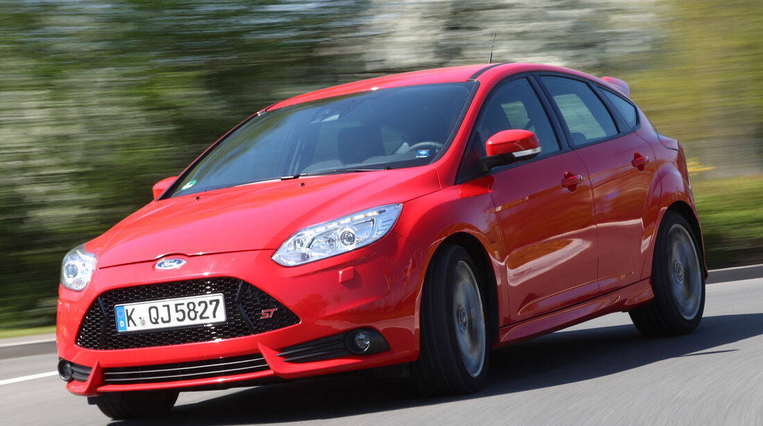 Ford Focus ST, Frontansicht, Slalom