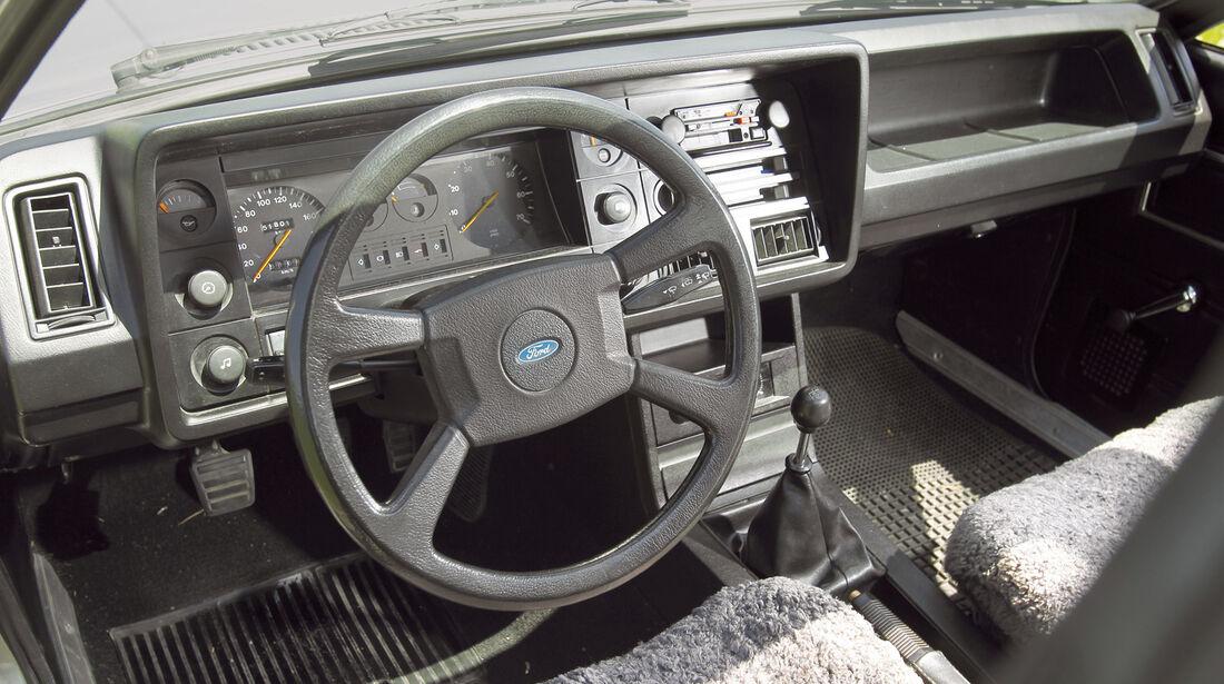 Ford Granada 2.8i GLS, Lenkrad, Cockpit