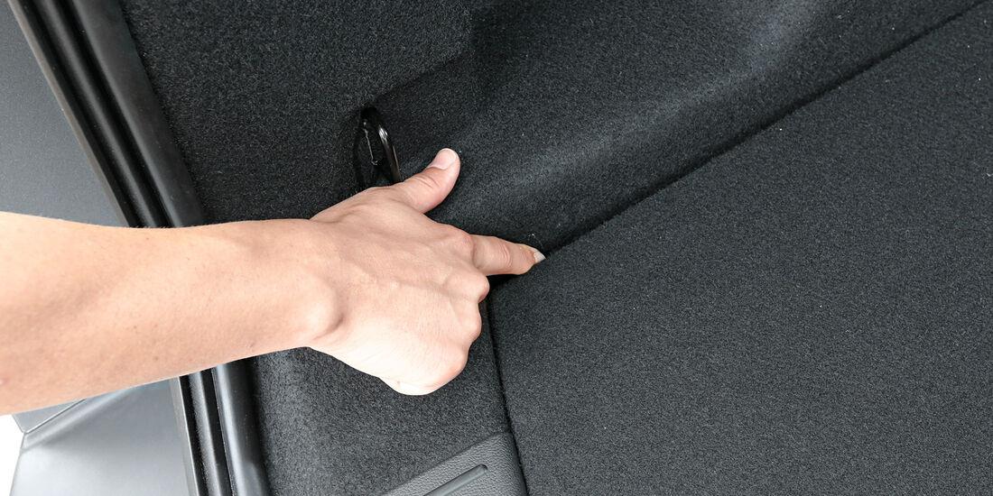 Ford Kuga 2.0 TDCi 4x4 Titanium, Materialien