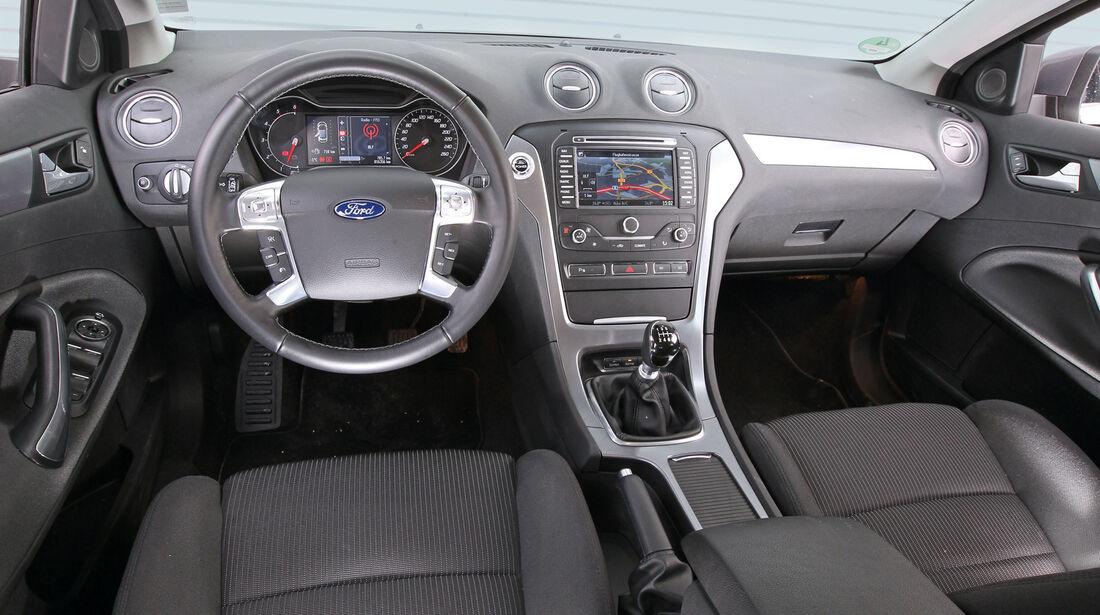 Ford Mondeo Turnier 2.2 TDCI, Cockpit, Lenkrad