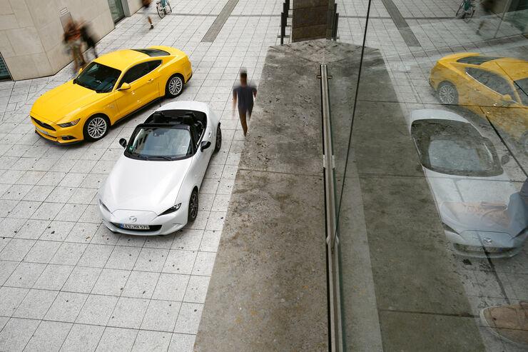 Ford Mustang GT 5.0, Mazda MX5 Skyaktiv G 131, Draufsicht