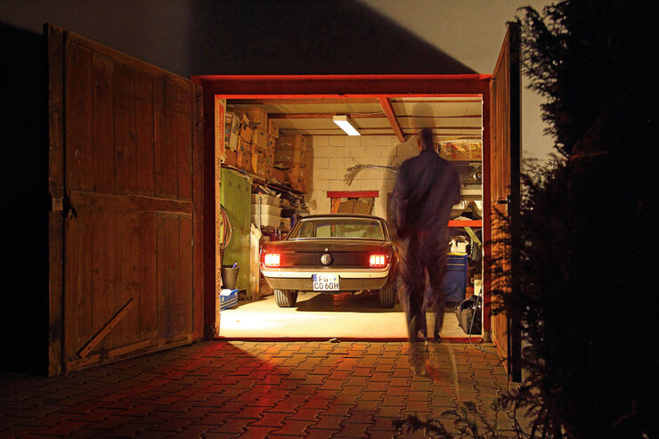 Ford Mustang, Garage, Heckansicht