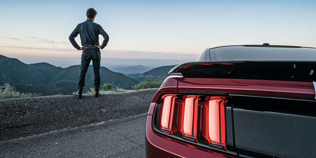 Ford Mustang Shelby GT350 auf dem Angeles Crest Highway