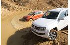 Ford Ranger 3.2 TDCi Wildtrak, VW Amarok 2.0 BiTDI Highline, Front, Gelände