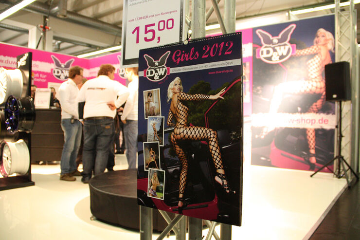 Girls Essen Motor Show 2011