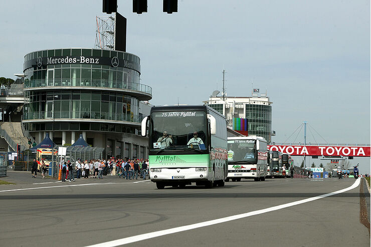 Grand Prix per Bus am Nürburgring