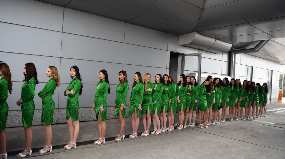 Grid Girls - GP China 2017 - Qualifying - 8.4.2017