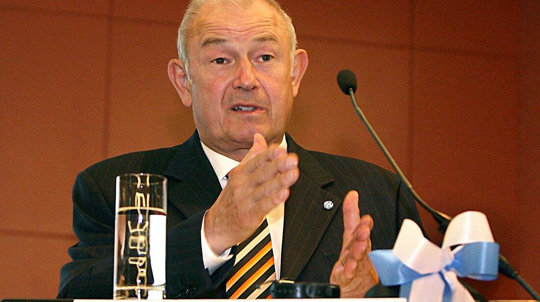 Günter Beckstein
