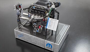 Hellephant 426 Mopar Crate Engine und 1968 Dodge ÒSuper ChargerÓ Concept