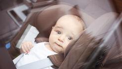 Hitze im Auto Sommerzeit Klimaanlage