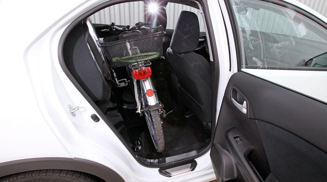 Honda Civic 1.8 i-VTEC Sport, Rücksitz, Fahrrad