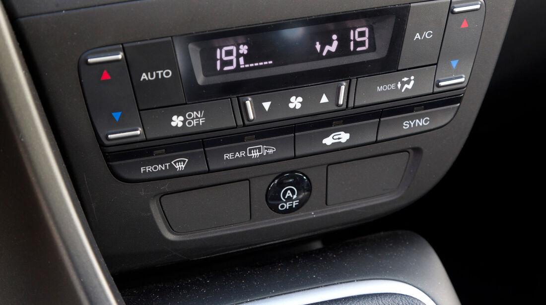 Honda Civic 2.2 i-DTEC, Mittelkonsole