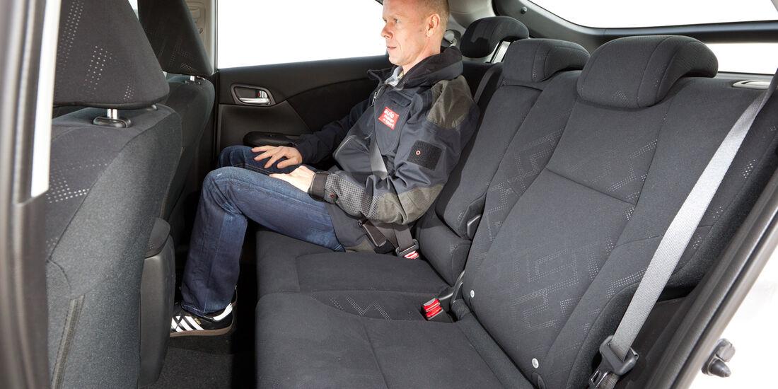 Honda Civic 2.2 i-DTEC, Rückbank, Beinfreiheit