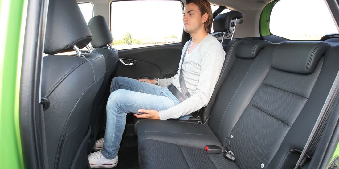 Honda Jazz 1.3 DSi i-VTEC IMA Exclusive, Rücksitz, Beinfreiheit