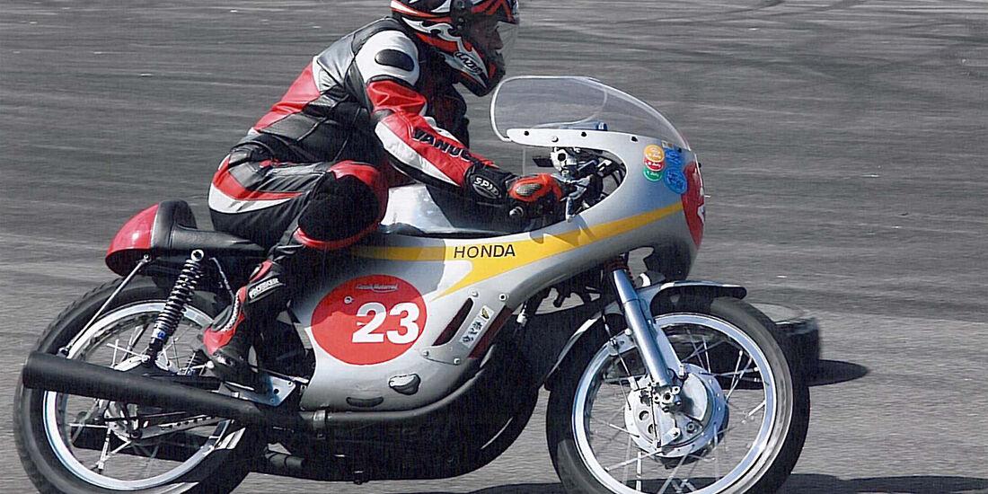 Honda RC 162