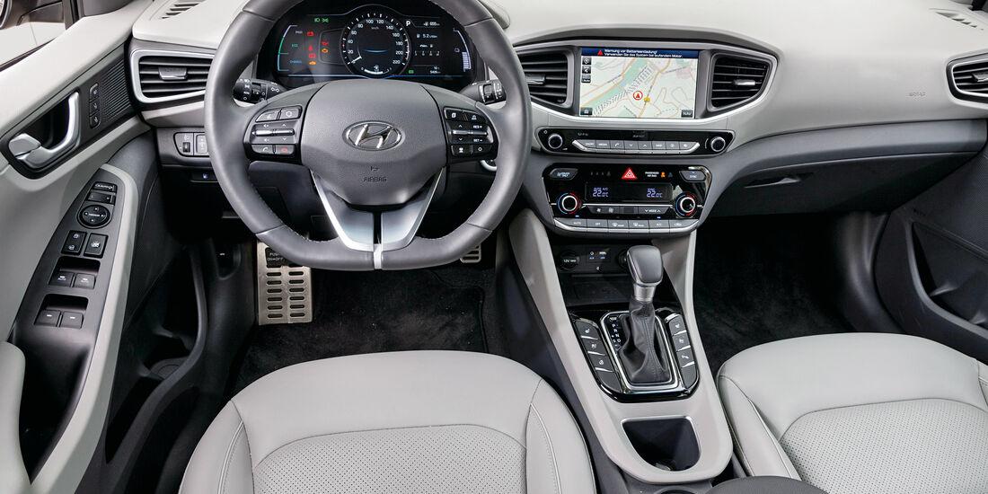 Hyundai Ioniq 1.6 GDI Hybrid, Cockpit