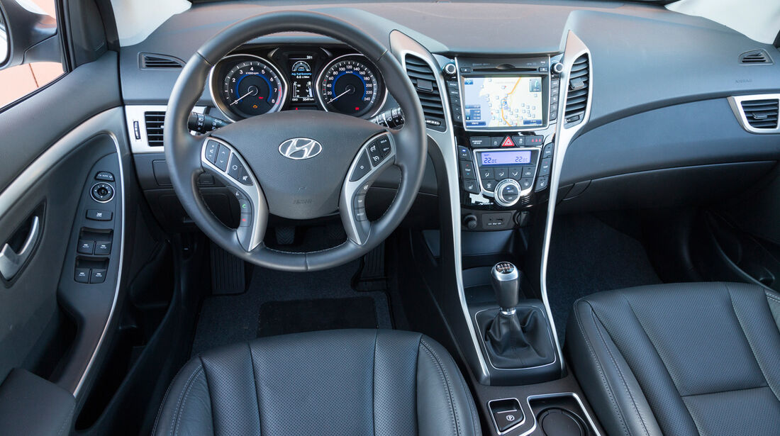 Hyundai i30 1.6 GDi, Cockpit