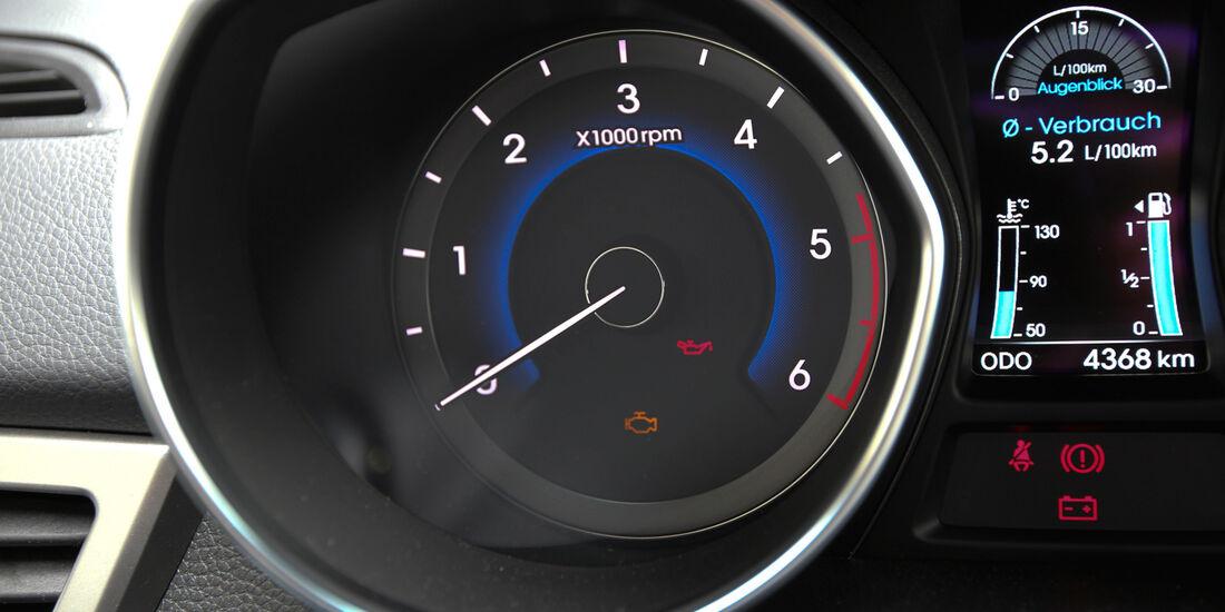 Hyundai i30 1.6, Hyundai 1.6 CRDi, Drehzahlmesser