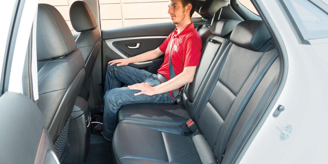 Hyundai i30 1.6, Rücksitz, Beinfreiheit