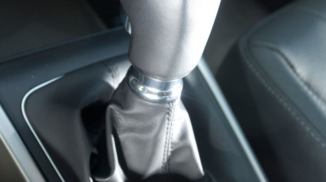 Hyundai i30 1.6, Schalthebel