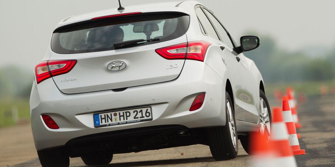 Hyundai i30 1.6, Slalom, Heckansicht