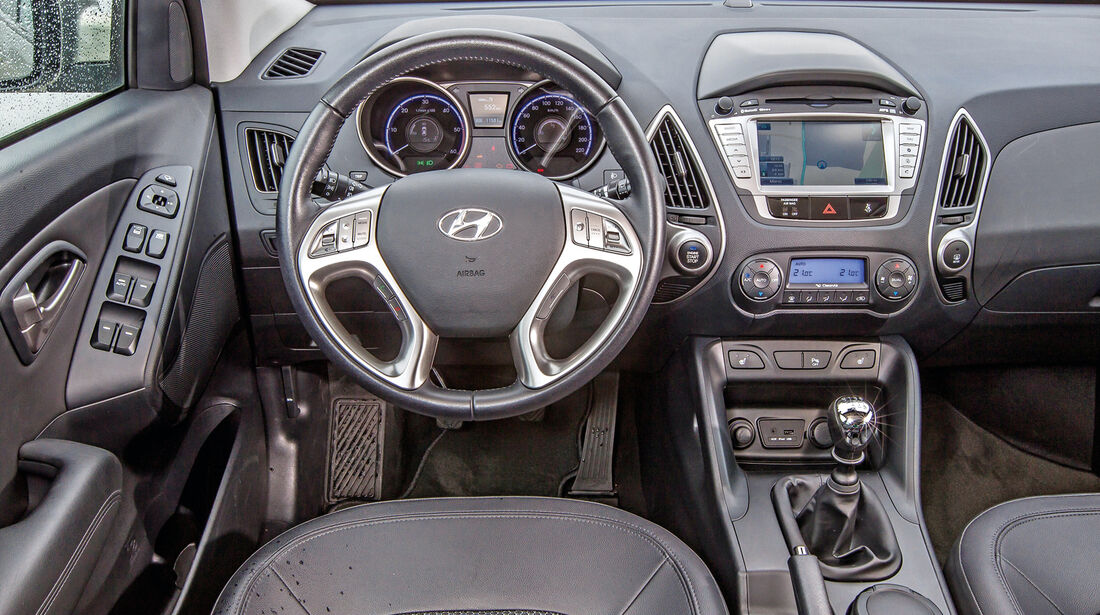 Hyundai ix35 blue 1.7 CRDi Style 2WD, Cockpit, Lenkrad