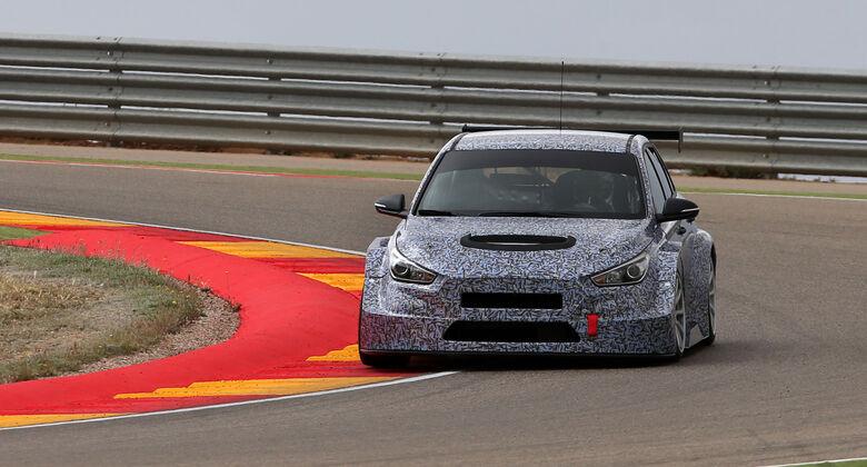 Hyundia i30 TCR - Tourenwagen - Test - Aragon