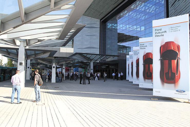 IAA 2011 Eingang Atmosphäre Deal