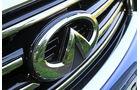 Infiniti FX30d GT Premium, Emblem