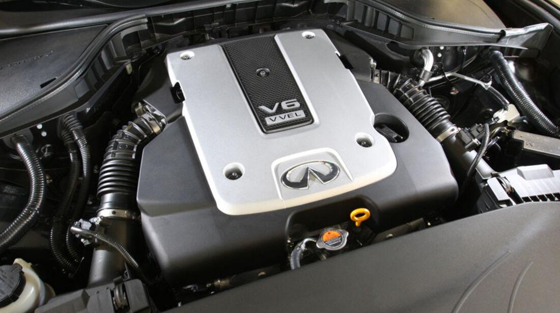 Infiniti M37 S, Motor