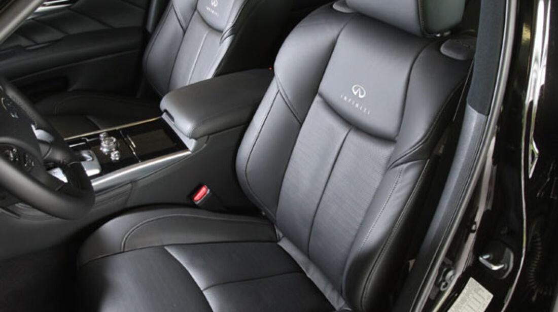 Infiniti M37 S, Sitze