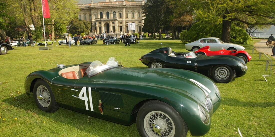Jaguar C-Type (1952) und D-Type (Werks-Prototyp von 1954) bei der Villa Erba Villa d'Este 2010.