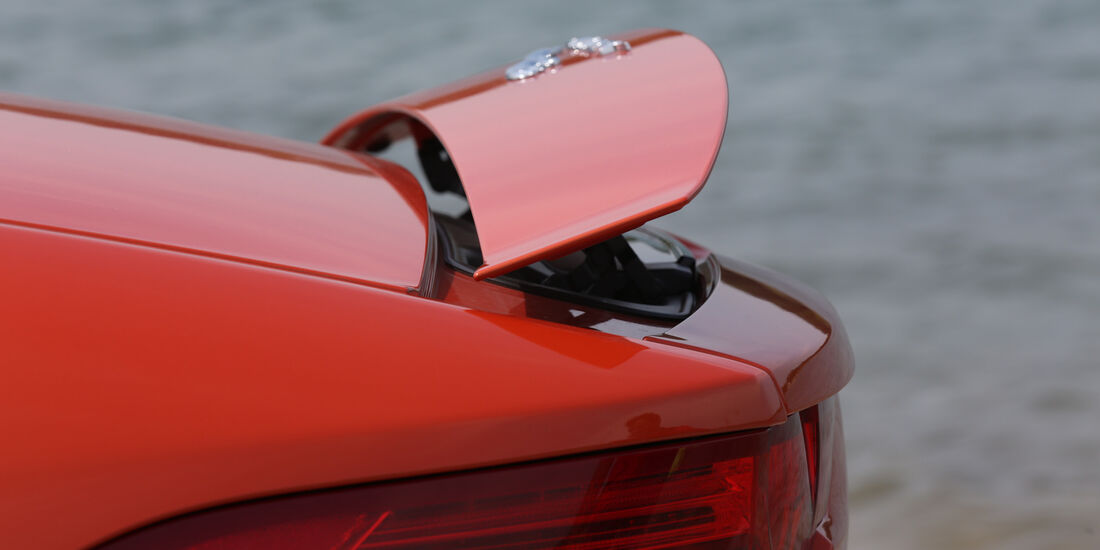 Jaguar F-Type V6 S, Heckspoiler