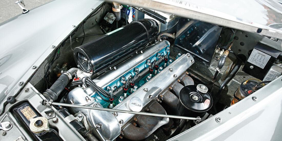 Jaguar MK IX, Motor
