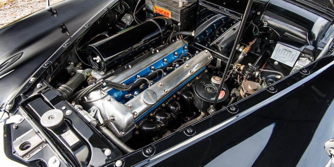 Jaguar Mark IX, Motor