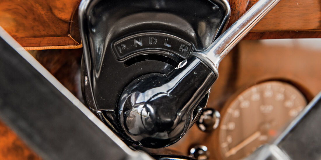 Jaguar Mark IX, Schaltung