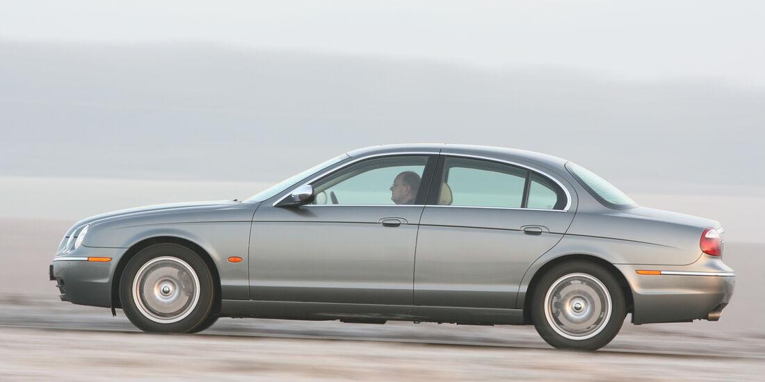 Jaguar S-Type 2.7 D V6, Seitenansicht