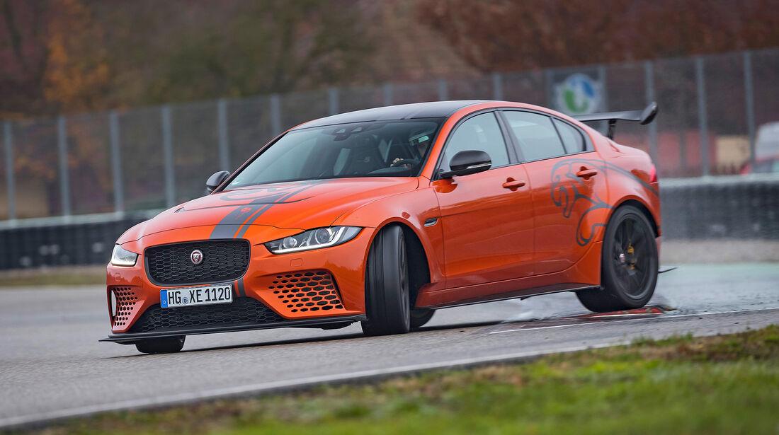 Jaguar XE Project 8 - Serie - Limousinen ueber 100000 Euro - sport auto Award 2019