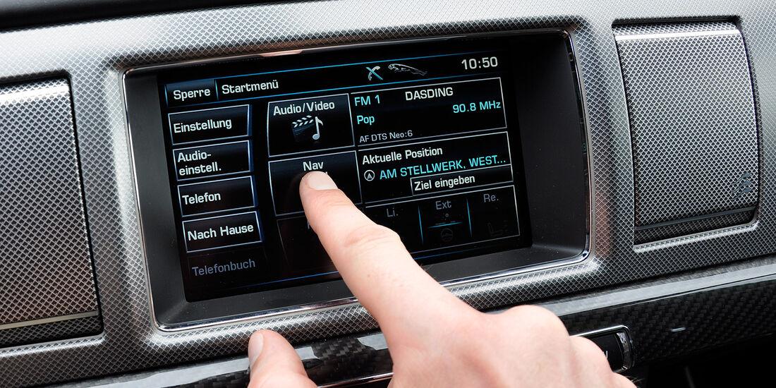 Jaguar XFR, Infotainmentsystem, Display