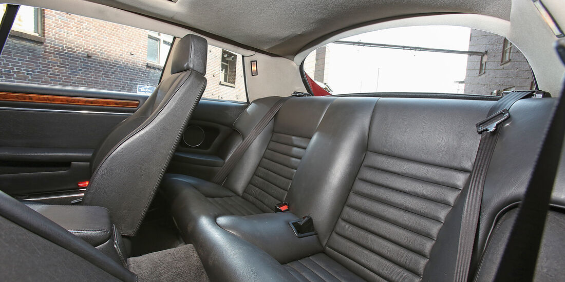 Jaguar XJ-S, Fondsitze