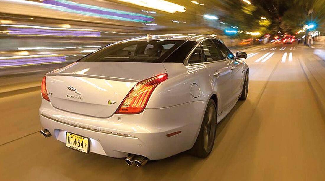 Jaguar XJR, Heckansicht