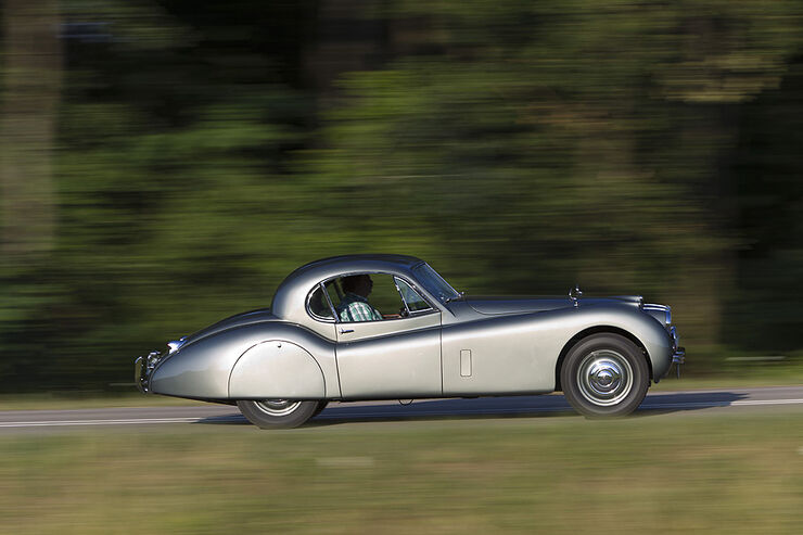 Jaguar XK 120 Fixed Head Coupé (FHC), Baujahr 1951, Scheinwerfer