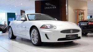Jaguar XK 5.0 Cabriolet, Frontansicht, Verkaufsraum
