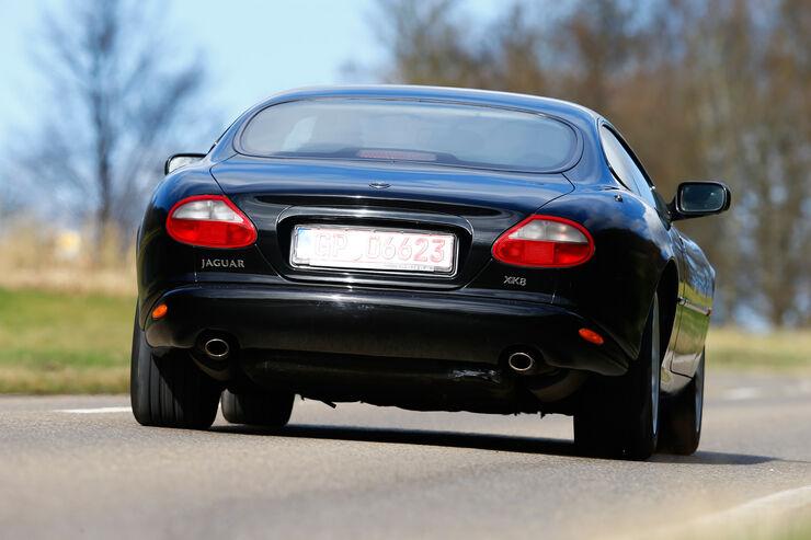 investment tipp jaguar xk 8 jetzt kaufen auto motor. Black Bedroom Furniture Sets. Home Design Ideas